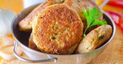 Συνταγές για παιδιά :: μπιφτέκια οσπρίων και λαχανικών για χορτοφαγικά burger